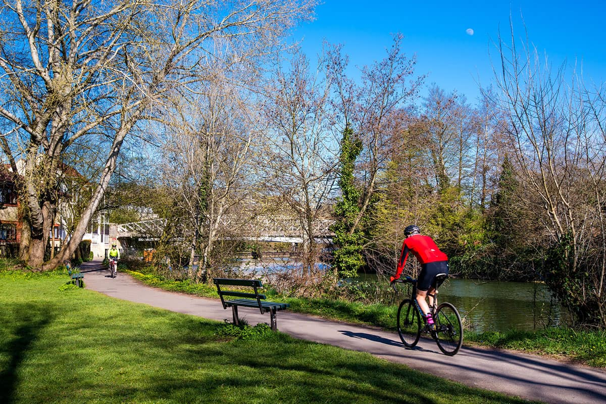 Bath cycling riverside path